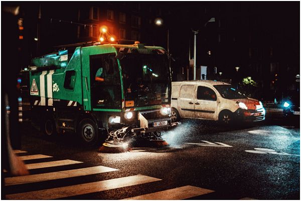 Can I File a Personal Injury Claim Against a Truck Rental Company?